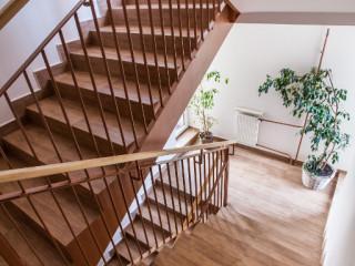 prace-zwiazane-z-remontami-klatek-schodowych